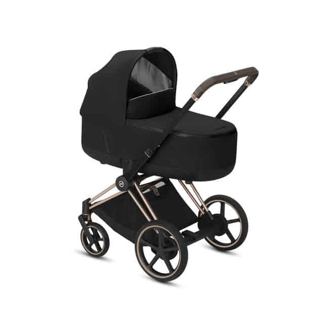 En barnvagn av märket Cybex