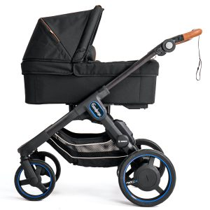 En eldriven barnvagn Emmaljunga e-Stroller NXT90e